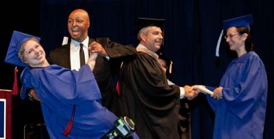 J.R. Martinez dances with a Clark College graduate
