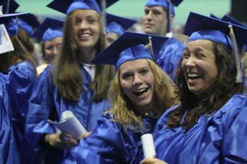 2006 graduates celebrate