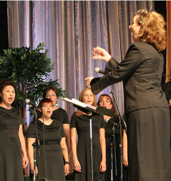 April Duvic conducts the Clark College Women's Choral Ensemble