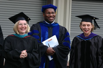Clark College Trustee Sue Fratt, President R. Wayne Branch, and Governor Chris Gregoire