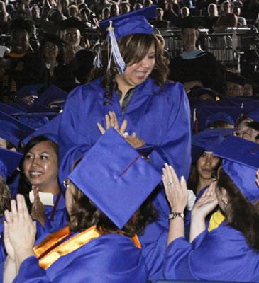 2009 Presidential Scholarship Award recipient Dora Hernandez
