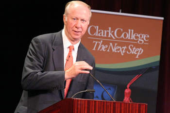 Distinguished Lecturer David Gergen at the podium at Clark College