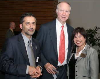 Vice President of Instruction Dr. Rassoul Dastmozd, Distinguished Lecturer David Gergen and Clark College Board of Trustees Chair Rhona Sen Hoss