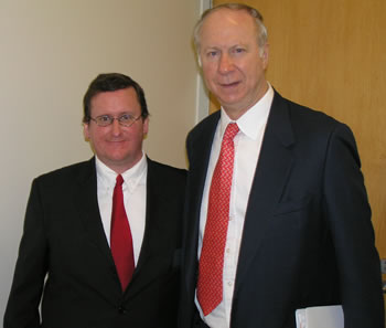 ASCC President Patrick Mehigan introduced Distinguished Lecturer David Gergen at the student forum.