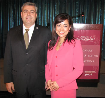 Clark President Bob Knight thanked Anna Song of KATU-TV for serving as emcee for the Women of Achievement celebration.